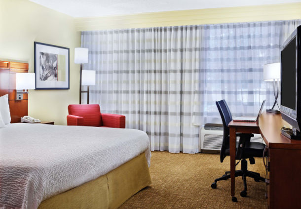 King Guest Room 5 of 21