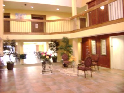 Lobby & Front Desk 5 of 8