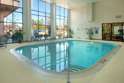 Luxurious Indoor Heated Pool 6 of 9