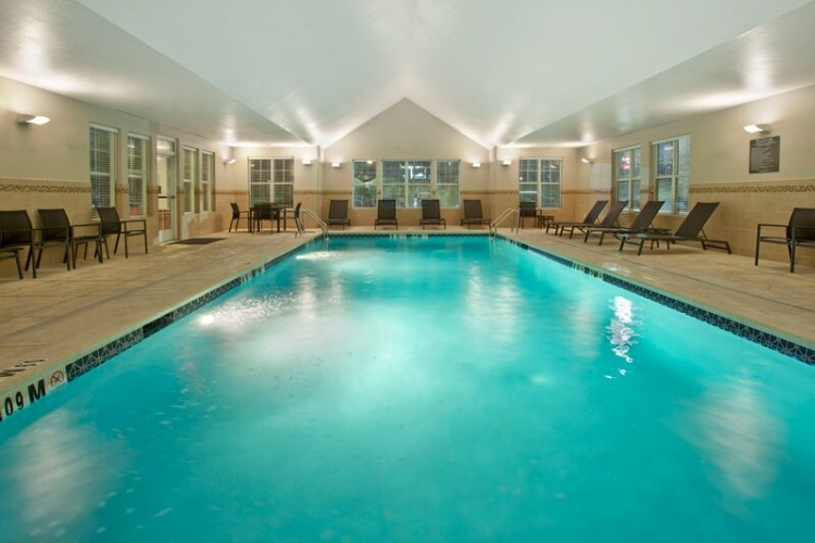 Indoor Pool 7 of 11