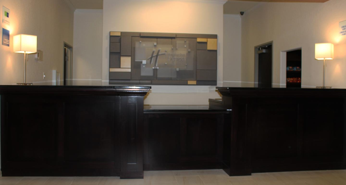 Front Desk 5 of 5