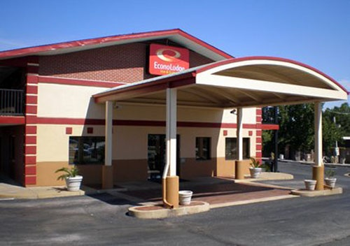 Econo Lodge Inn & Suites 1 of 27