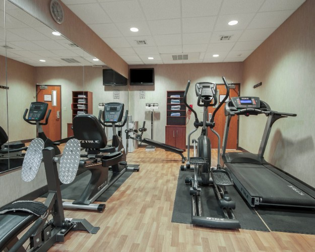 Onsite Fitness Center With Commercial Grade Equipment 6 of 31