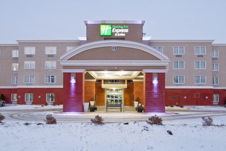 Holiday Inn Express in Fort Saskatchewan 1 of 16
