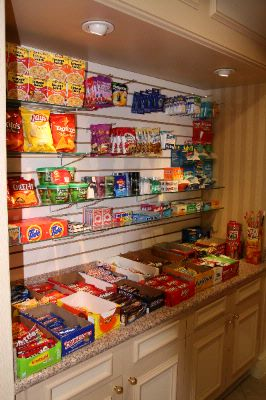 Pantry Area 8 of 9