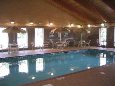 Beautiful Indoor Heated Pool And Spa 4 of 14
