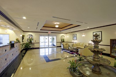 La Quinta Inn & Suites Tampa Central -Lobby And Breakfast 3 of 8