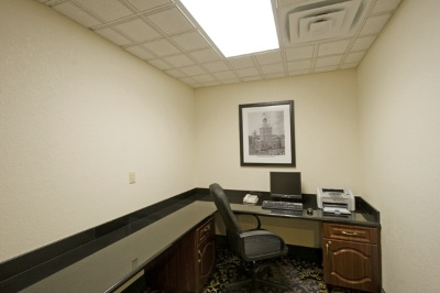 La Quinta Inn & Suites Tampa Central -Business Center 8 of 8