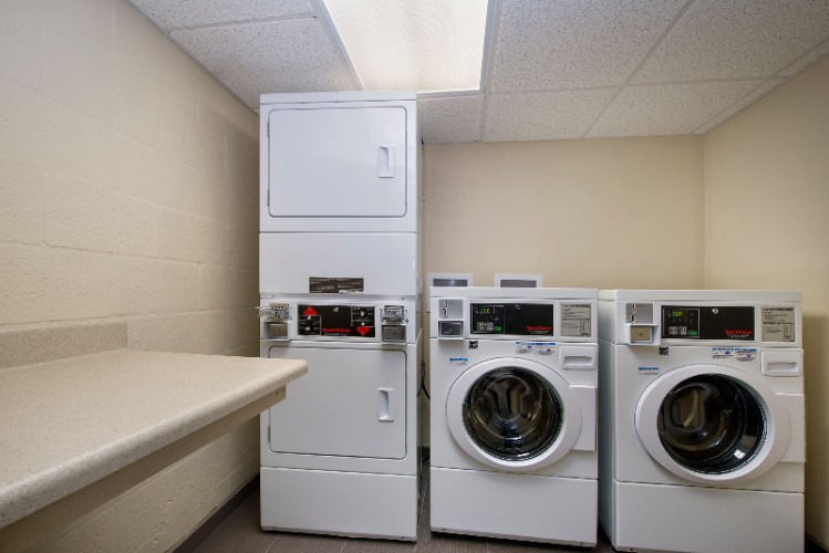 Guest Laundry 15 of 18