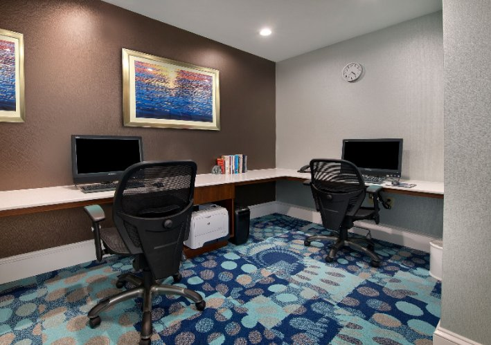 Our Business Center 5 of 18