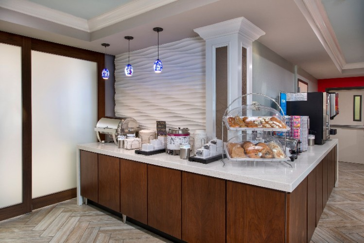 We Know That Breakfast Is The Most Important Meal Of The Day. That\'s Why We Put Our Best Out Every Day. Enjoy A Hot Daily Breakfast At The Hampton Inn Naples I-75. 6 of 18