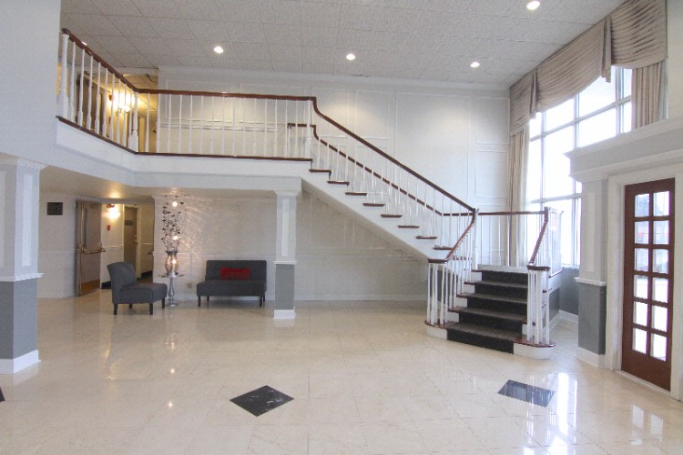 Front Lobby 3 of 25