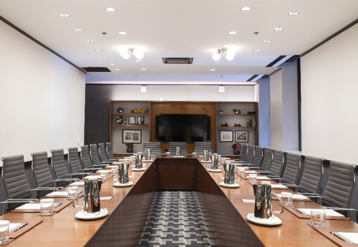 Evers Boardroom 4 of 11