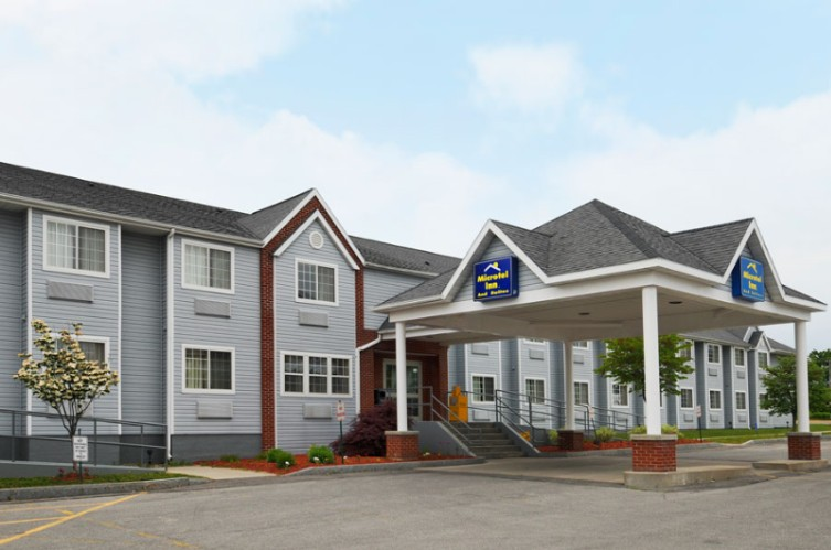 Microtel Inn & Suites by Wyndham Baldwinsville / Syracuse 1 of 9