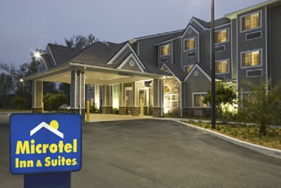 Microtel Inn & Suites by Wyndham Jacksonville Airport Fl 1 of 7
