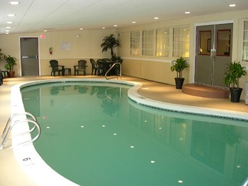 Indoor Pool 10 of 11