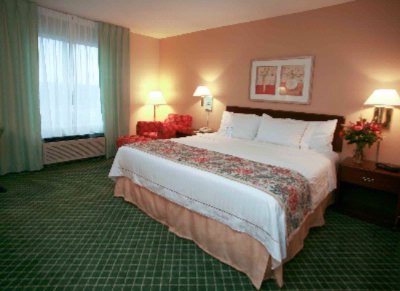 Our King Guest Rooms Are Perfect For One Or Two. 6 of 10