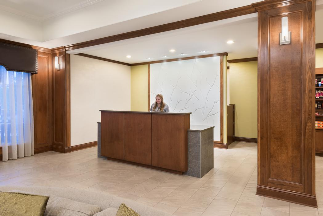 Front Desk 3 of 32