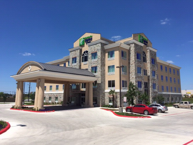 Holiday Inn Express & Suites San Antonio Brooks Cb