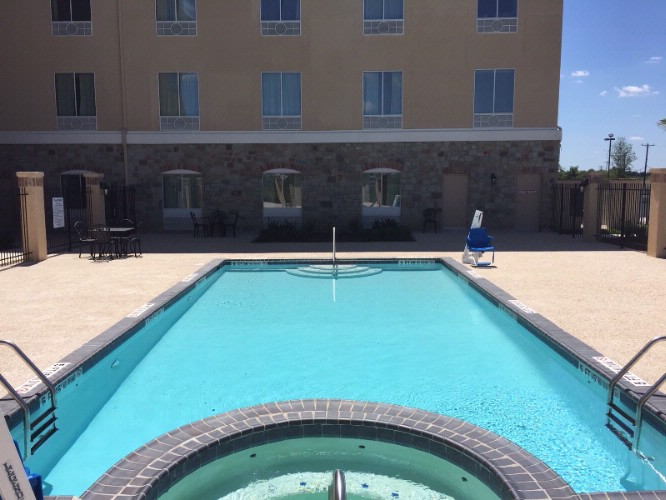 Come Enjoy The Sun At Our Outdoor Pool And Hot Tub 5 of 7