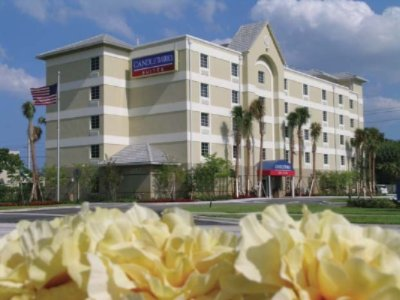 Candlewood Suites Ft. Lauderdale Airport / Cruise