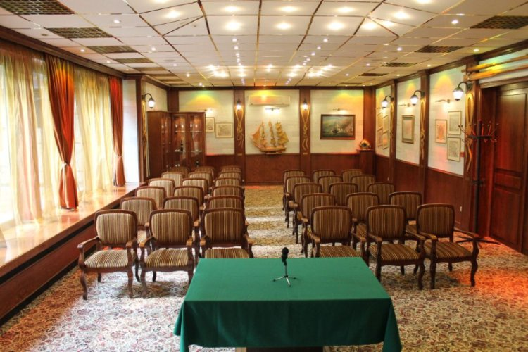 Captain\'s Conference Hall 14 of 24