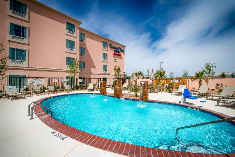 Towneplace Suites by Marriott El Paso Airport 1 of 10