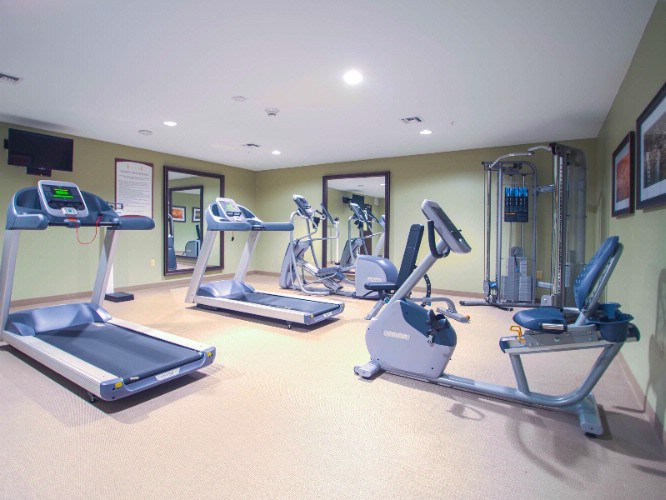 Fitness Center 4 of 6