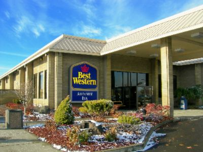 Exterior Of The Best Western Ahtanum Inn 2 of 5