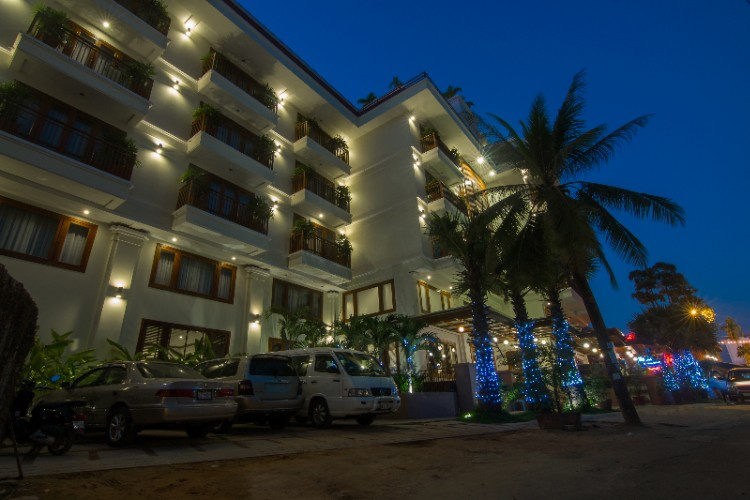 Cheathata Suites Hotel 1 of 9