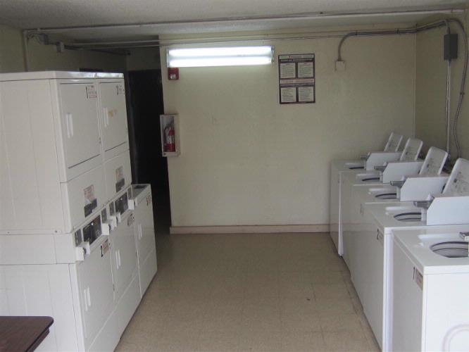 Laundry Area 14 of 15