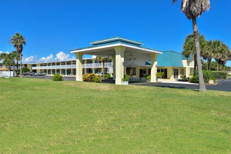 Americas Best Value Inn Satellite Beach Melbourne 180 Highway A1a Fl 32937