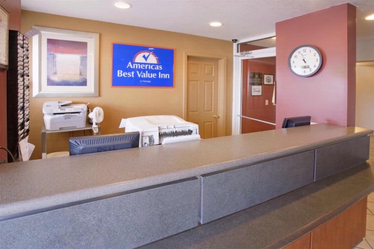 Front Desk 8 of 18