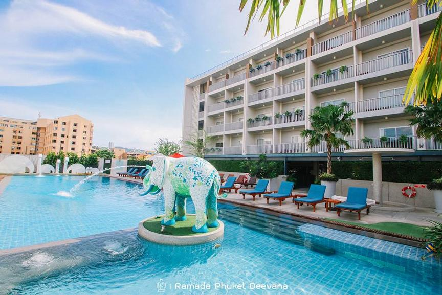 Ramada Phuket Deevana-Sunbathing By The Pool 9 of 30