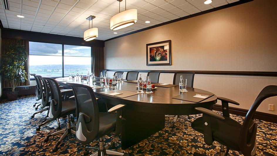 7th Floor Boardroom 4 of 6