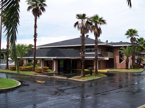 Econo Lodge Jacksonville 1 of 24