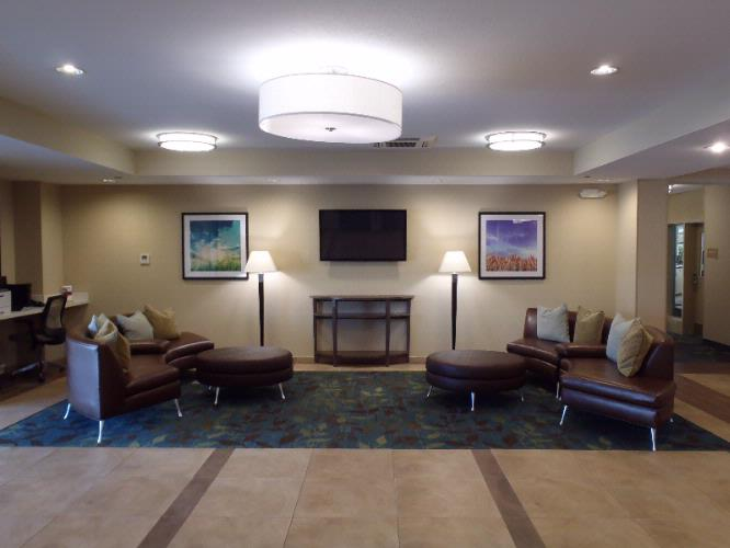 Candlewood Suites Columbus Northeast Lobby 3 of 7