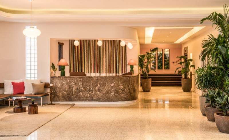 Hotel Front Desk And Lobby 13 of 16