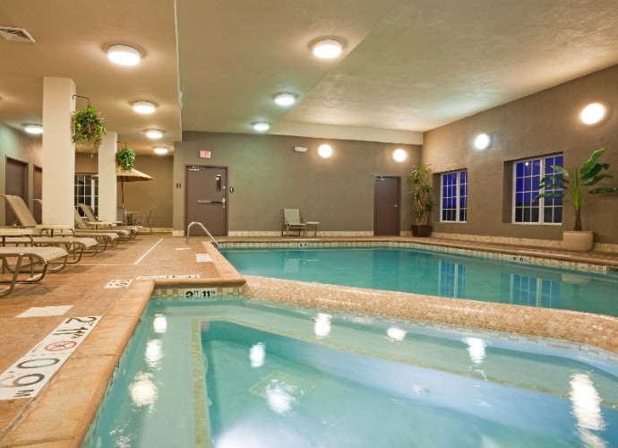 Holiday Inn Eau Claire North Indoor Pool Area 11 of 12
