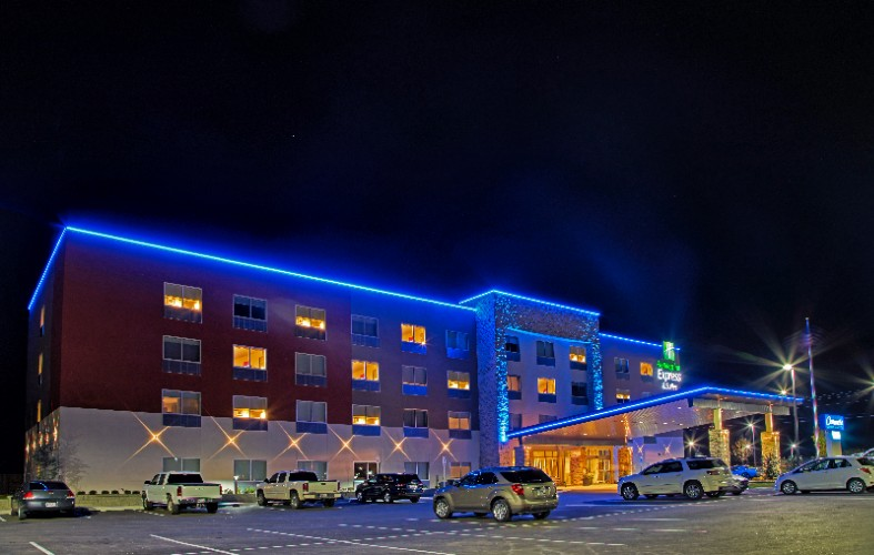 Holiday Inn Express & Suites Tulsa Ne Claremore 1 of 10