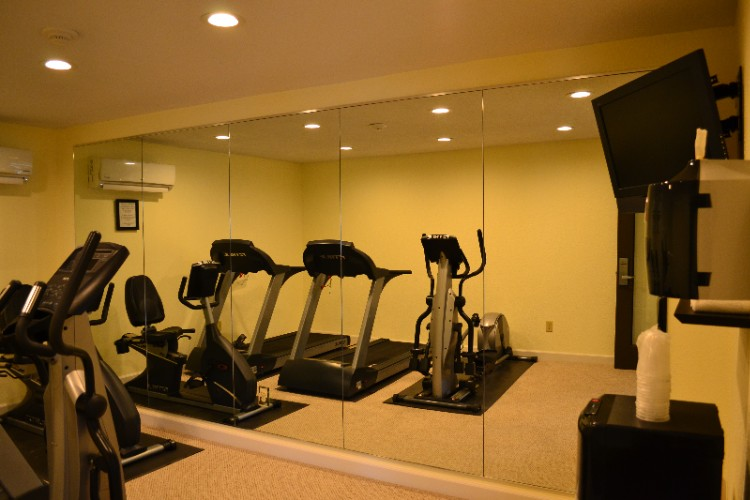 Fitness Center 8 of 28