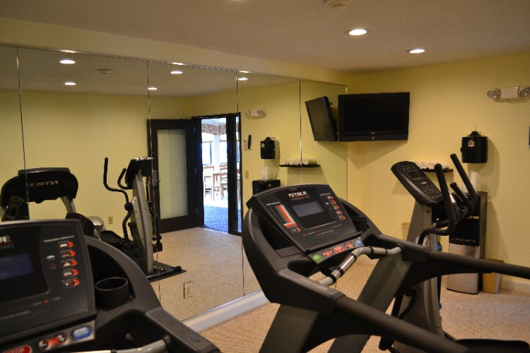 Fitness Center 9 of 28