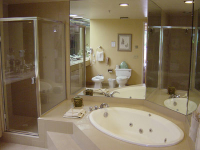 All Villas Have 2 Bathrooms With Sunken Tubs 9 of 12