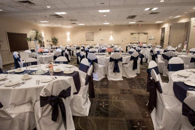 Make Memories With Your Wedding Reception Here In Weirton 15 of 31