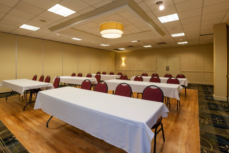 Banquet Space Available For 300 Of Your Friends. 16 of 31