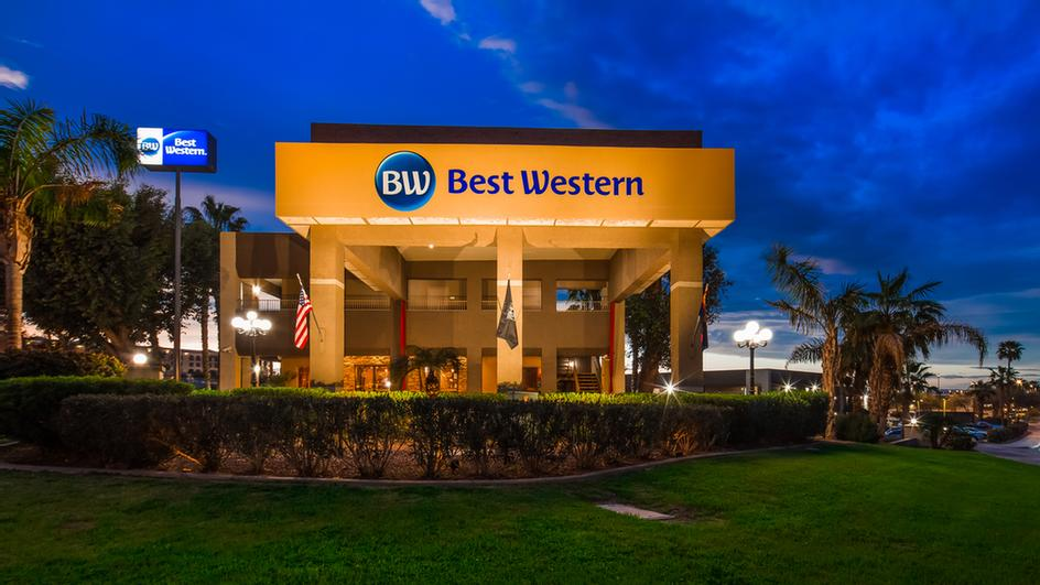 Best Western Innsuites Yuma Mall Hotel & Suites 1 of 31