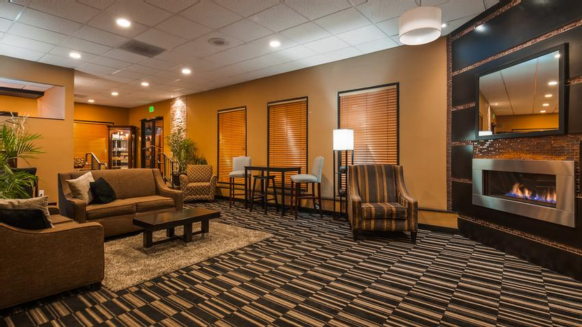 Best Western Innsuites Lobby 5 of 31
