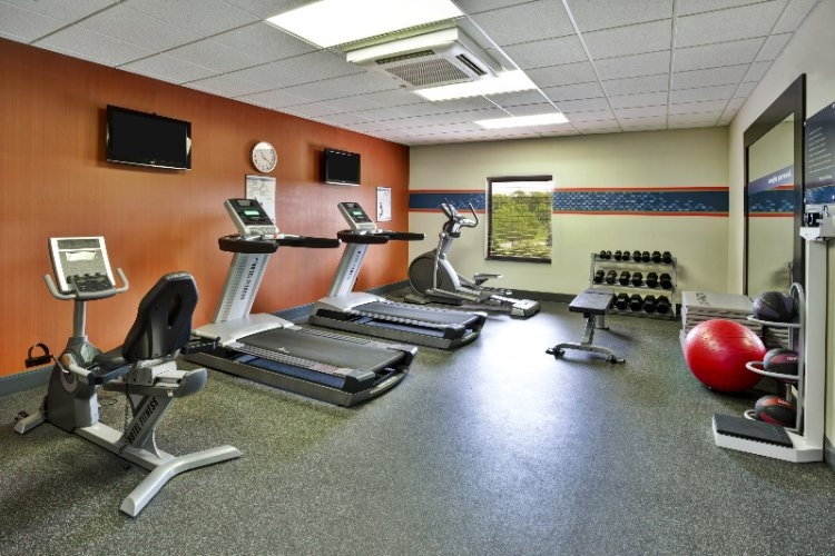 Fitness Center 11 of 17
