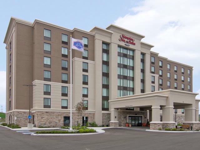 Hampton Inn & Suites Toronto Markham 1 of 14