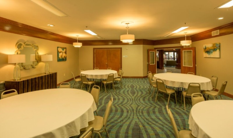 672 Sq. Ft. Meeting Space Holds Up To 50 People With Convenient Access To Outdoor Patio 16 of 16